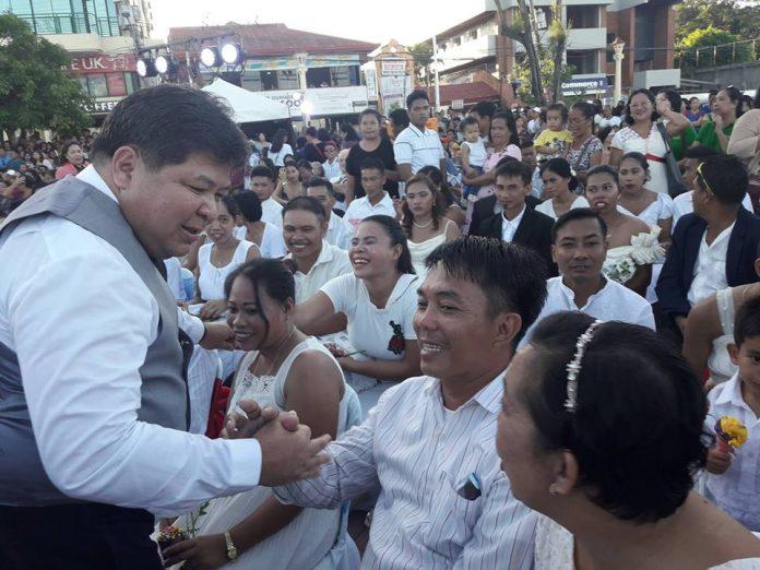 Dumaguete City Waives Mass Wedding License Fess